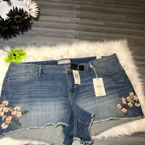 Torrid Denim Shorts With Embroidering